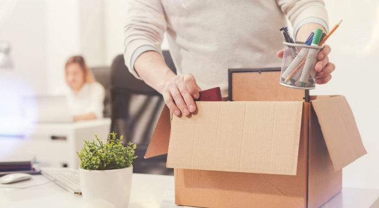 A Third Of Spanish Companies Foresee Layoffs Due To Increase In SMI